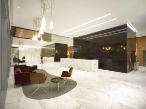 lobby-ciudad-empresarial
